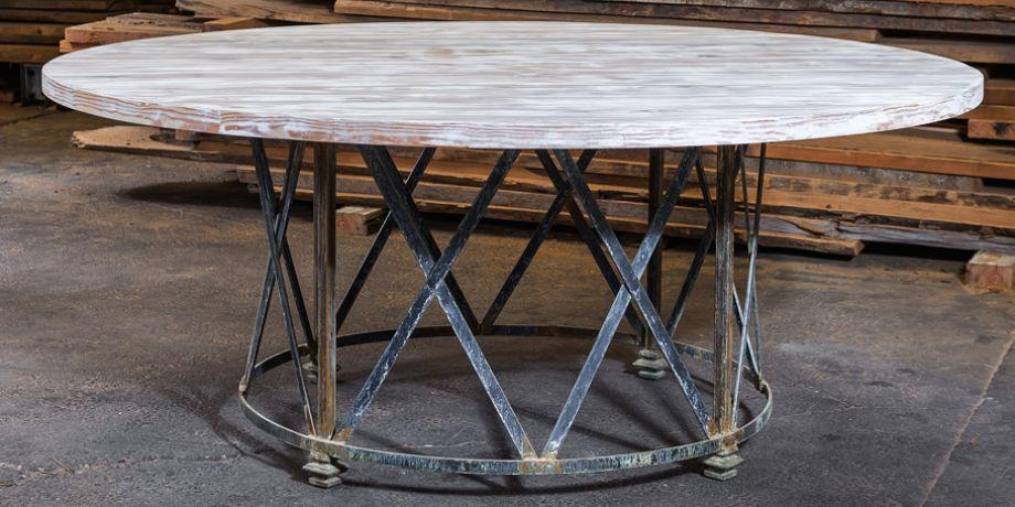 beach-house-white-round-table-920x455