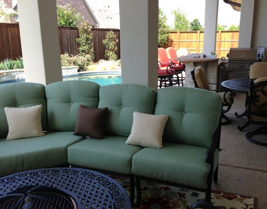 iron outdoor furniture