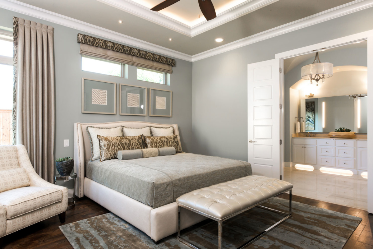 eco-home-elegant-master-bedroom-interior
