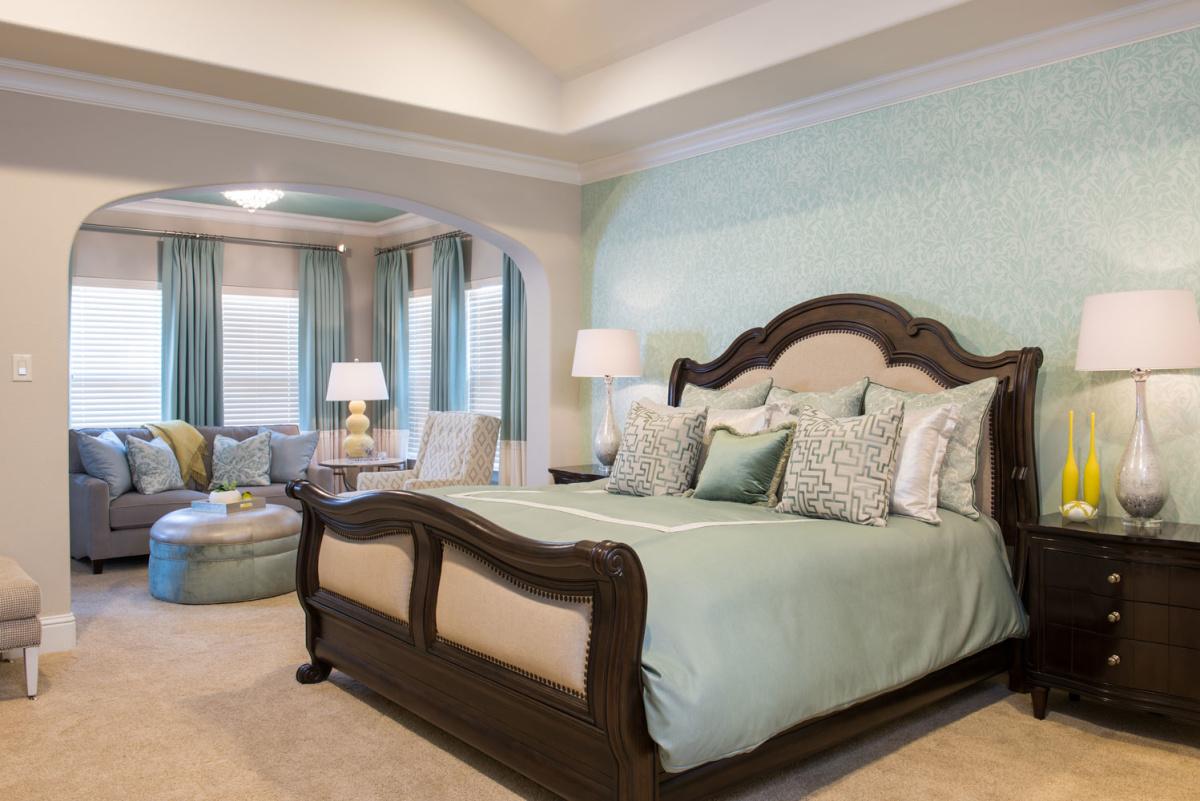 las-colinas-bedroom-interior