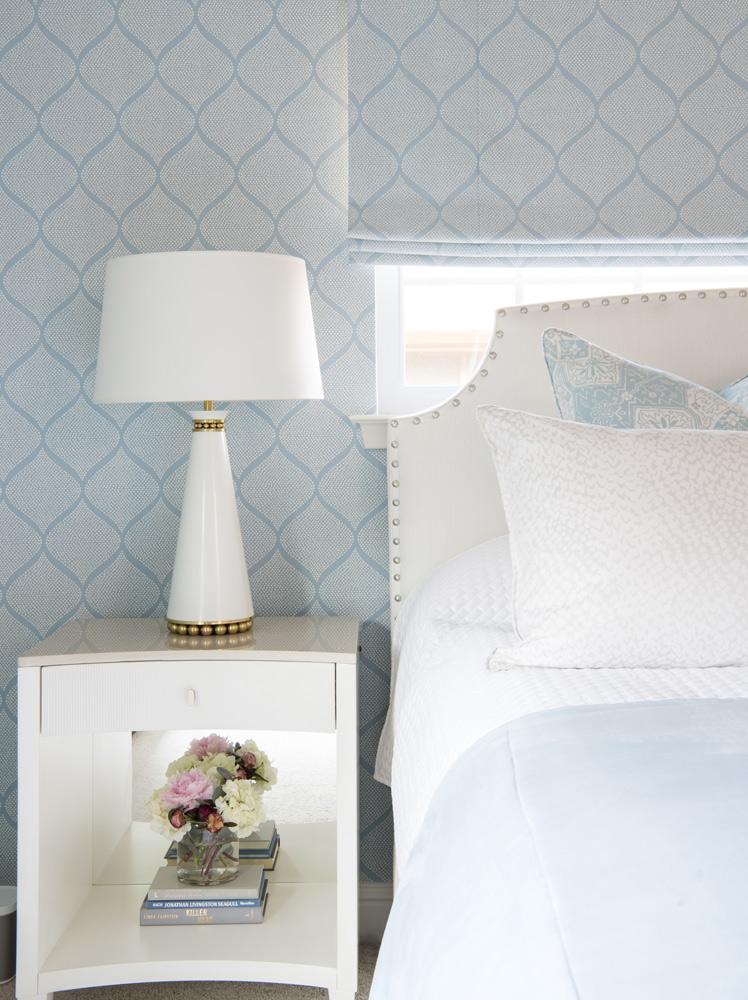 transitional-decor-dallas-master-bedroom-lamp-design