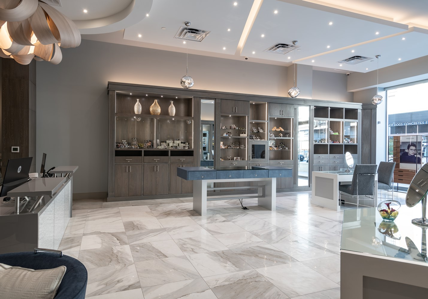 spectacles-showroom-design-legacy-west-plano